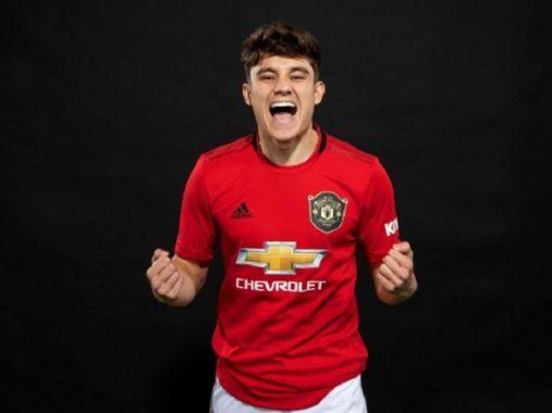Tân binh đầu tiên chính thức ra mắt Man Utd