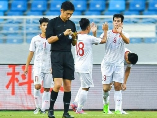 Tiến Linh lập cú đúp, U22 Việt Nam thắng đội chủ nhà Trung Quốc