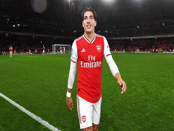 Tin bóng đá trưa 11/9: Arsenal bất ngờ muốn bán Bellerin