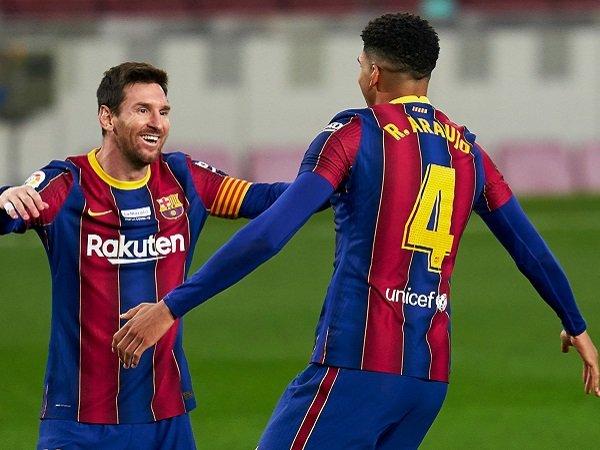 Tin bóng đá chiều 21/12: Man City, PSG tin Messi sẽ vẫn rời Barca