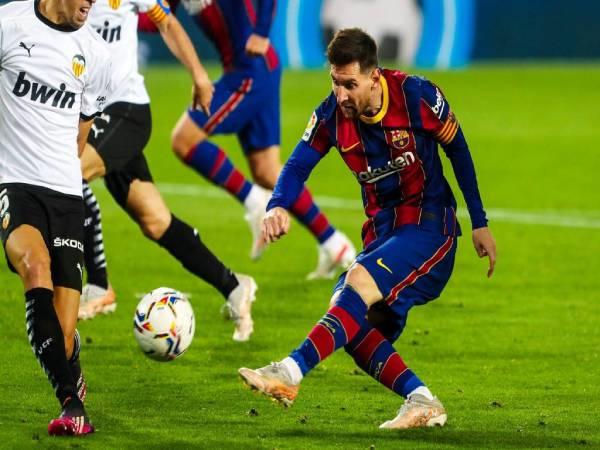 Tin bóng đá TG 4/5: Messi lần đầu mở tiệc tại nhà mời đồng đội